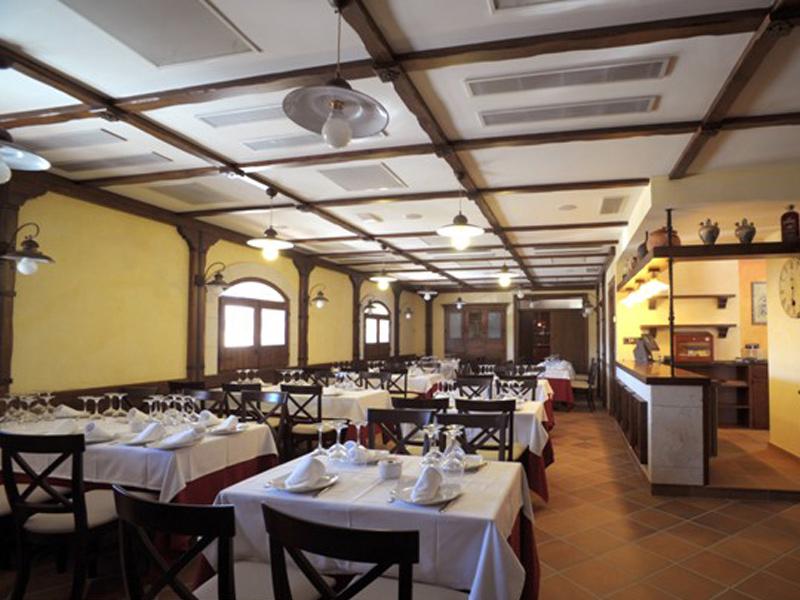 SALÓN RUSTICO- Restaurante El Riscal