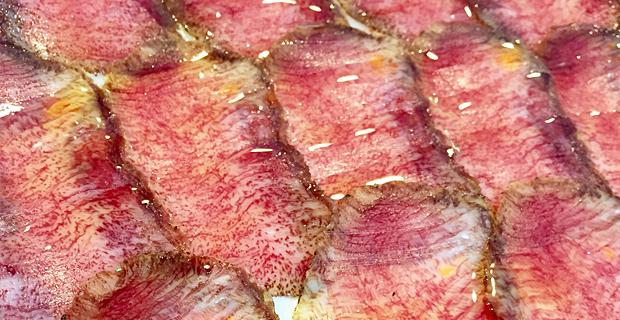 Carpacho-de-buey-degustado-en-el-Restaurante-El-Riscal-de-Segovia